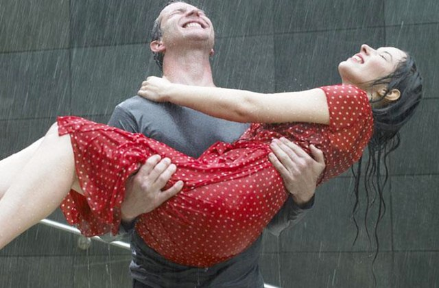 Rainy Season is Best Romantic Season to Go Out for Date