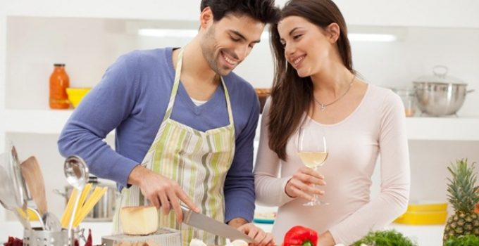 Why Women Love to Eat Food Cooked by Their Men More than Anything