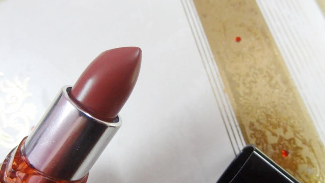 Maybelline Color Show Lipstick Choco Latte color