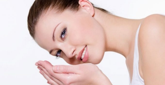 Natural Cleansers to Use Instead of a Face Wash, natural facial cleanser