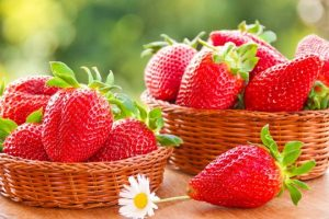 7 Benefits of Strawberry Fruit, Strawberry