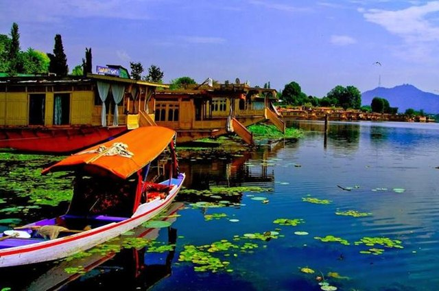 Srinagar, Domestic Destinations for Holidays in Summer