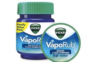6 Surprising Uses of Vicks VapoRub, Vicks VapoRub