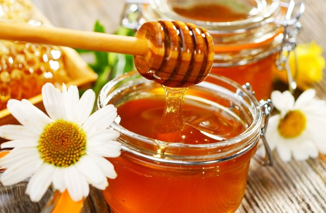 Surprising Uses of Honey that You Might Not Know, Uses of Honey